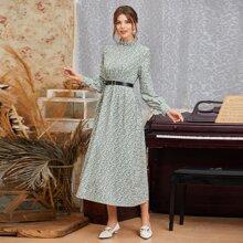 Kleid mit Gaensebluemchen Muster, Knopfen, Schluesselloch und Guertel