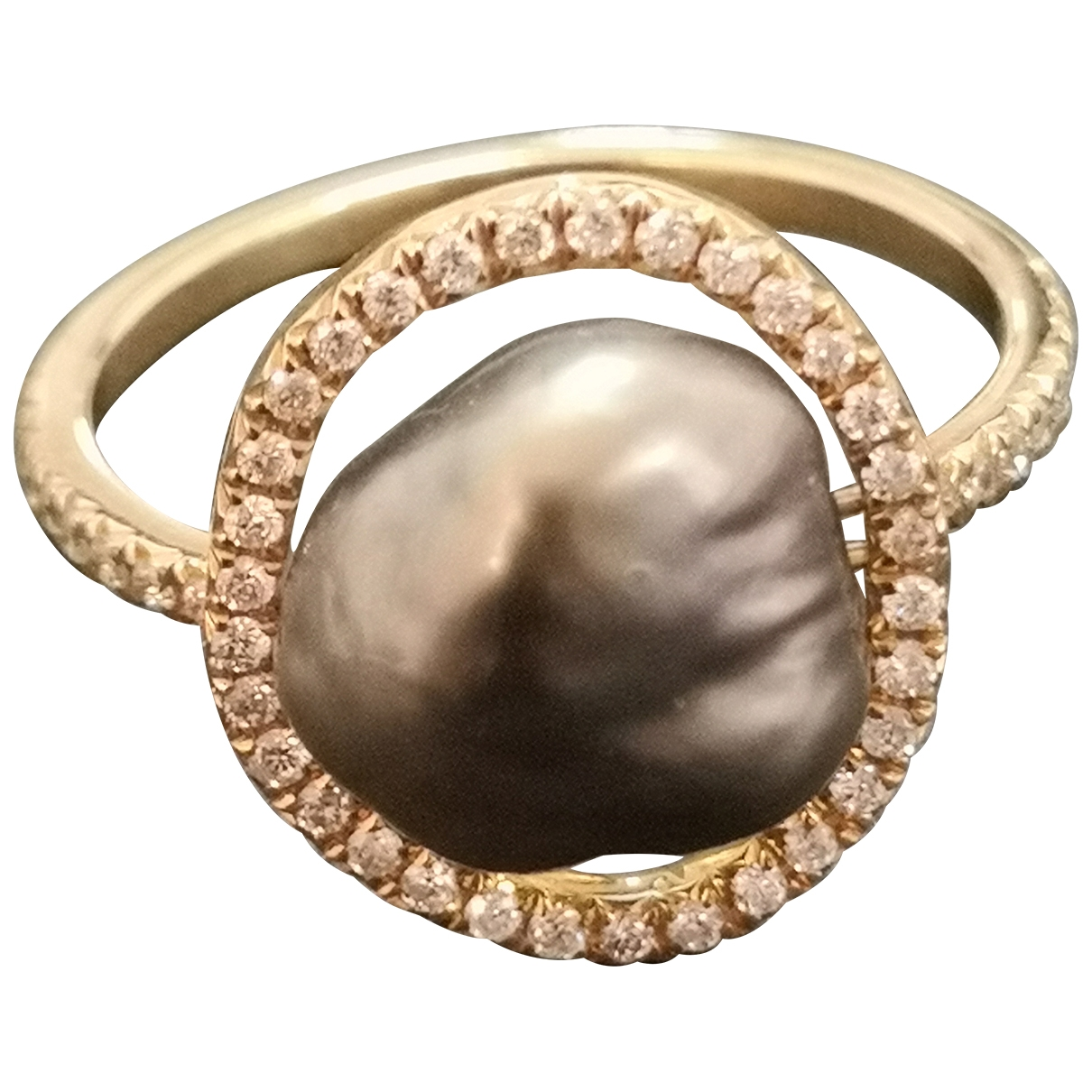 Non Signe / Unsigned Nacre Ring in  Grau Perle