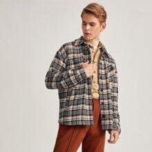 Jacke mit Taschen vorn und Karo Muster