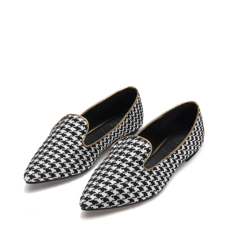 Yoins Pointed Flat Shoes in Houndstooth