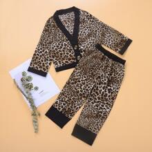 Top mit Leopard Muster, Knopfen & Hose