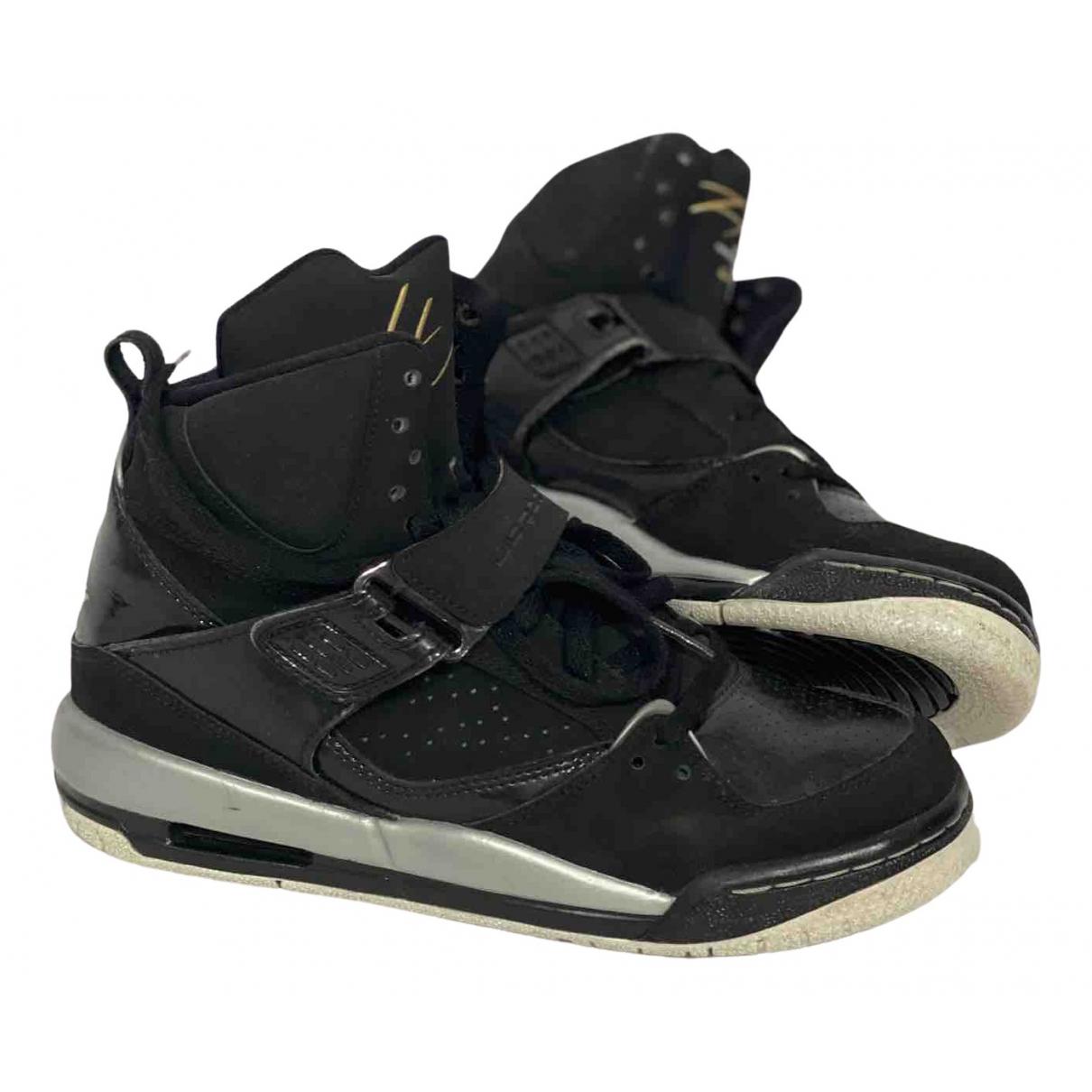 Jordan \N Sneakers in  Schwarz Leder