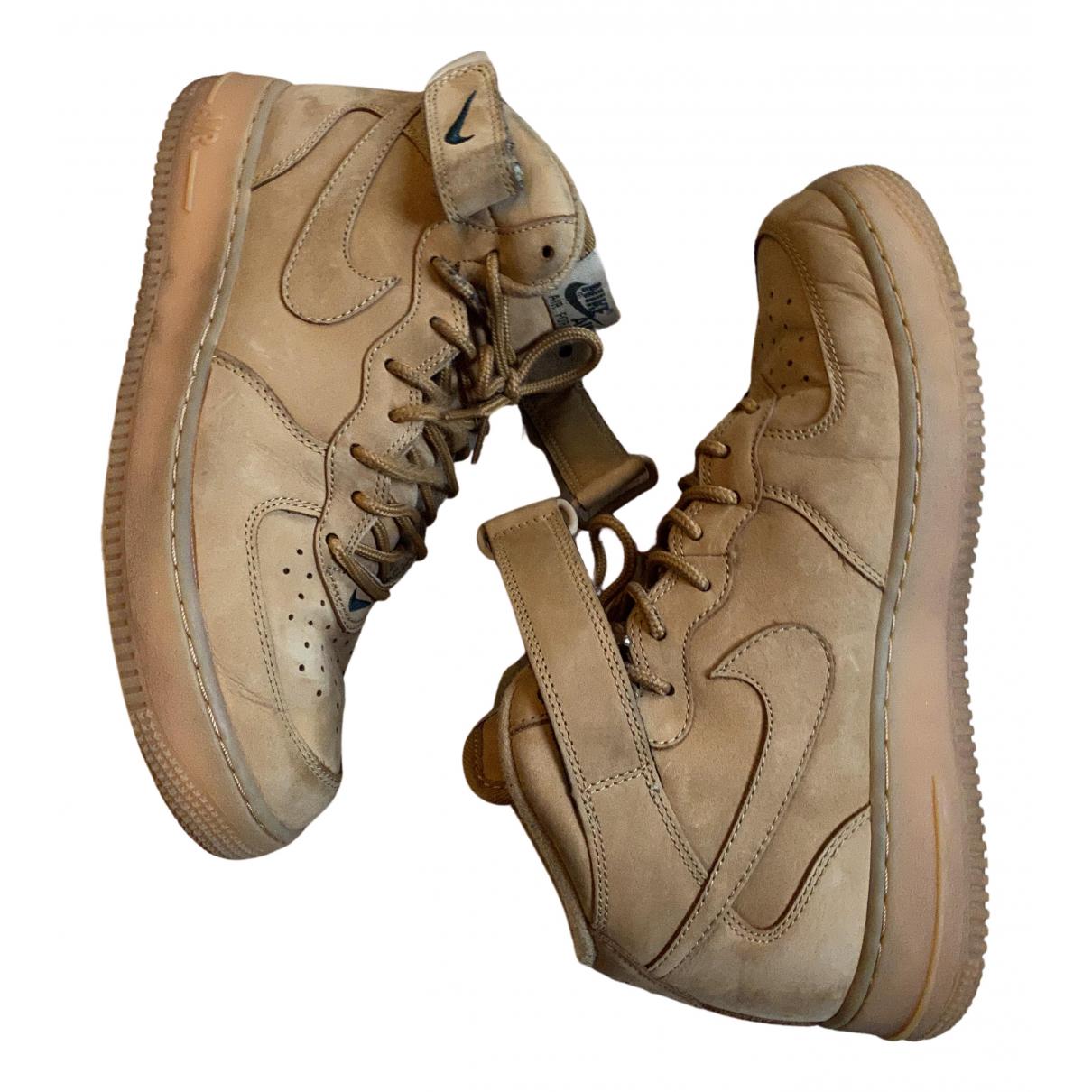 Nike Air Force 1 Sneakers in  Beige Leder