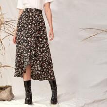 Falda bajo asimetrico con estampado floral de margarita