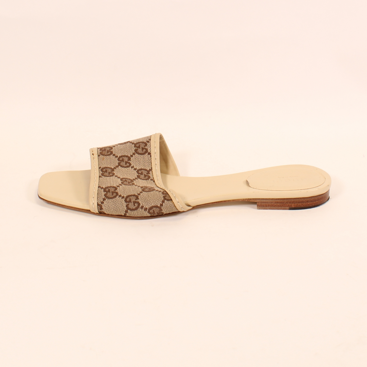 Gucci N Beige Cloth Sandals for Women 39 EU