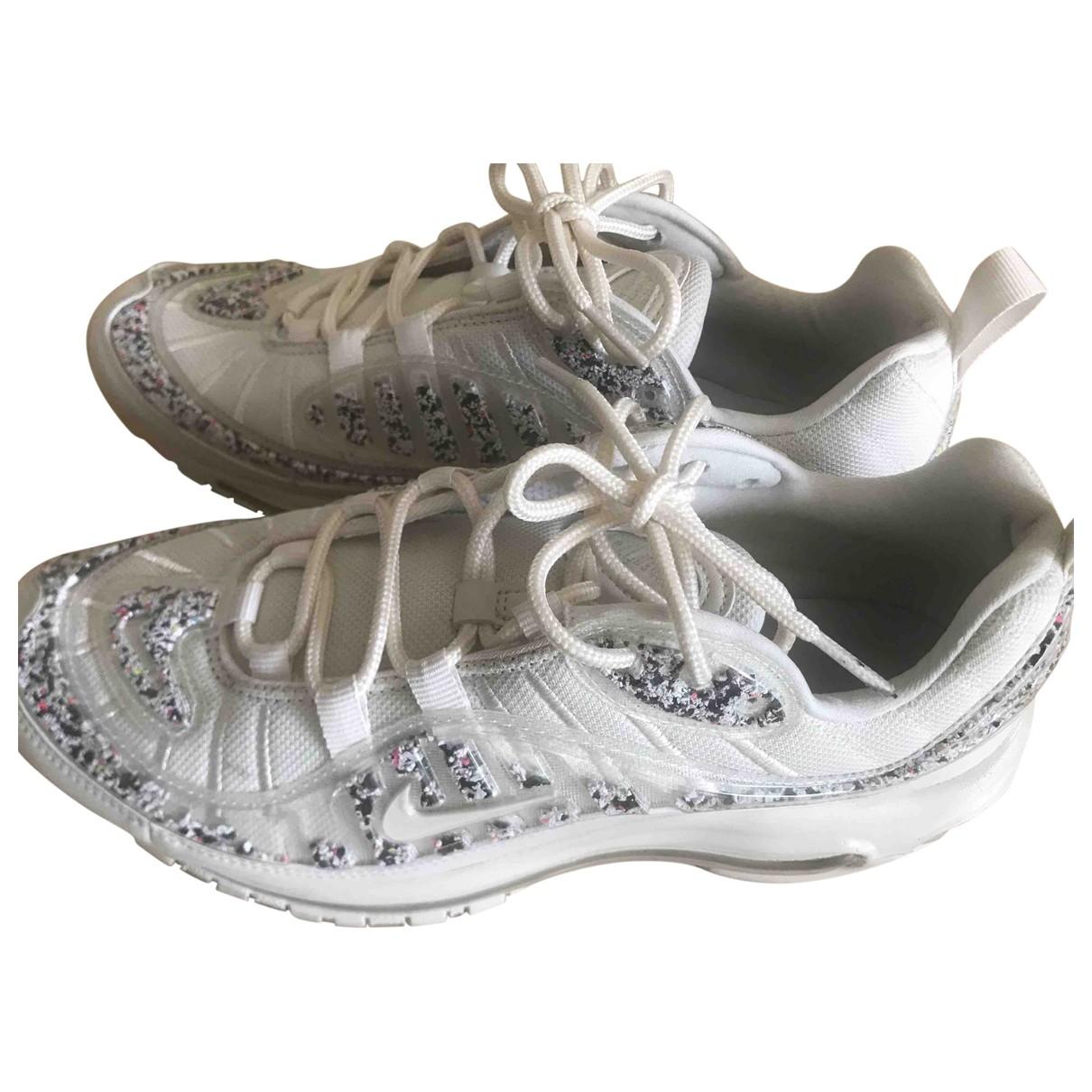 Nike Air Max 98 Sneakers in  Weiss Kunststoff