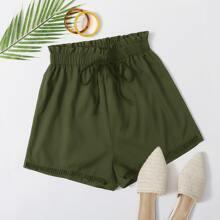 Shorts mit Rueschenbesatz, Band auf Taille und Wimpern Spitzen