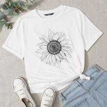 T-Shirt mit Sonnenblumen Muster und gerollten Ärmeln