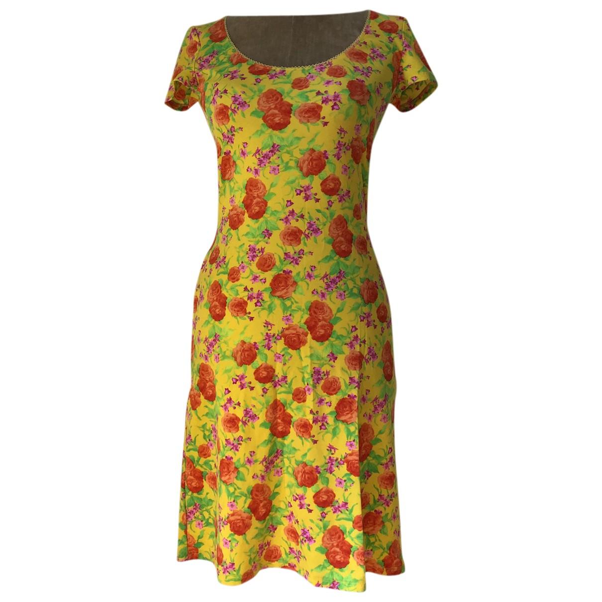 Versus \N Kleid in  Gelb Synthetik