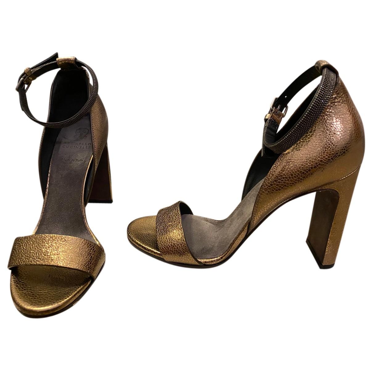 Brunello Cucinelli \N Sandalen in  Gold Leder