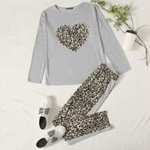 Top mit sehr tief angesetzter Schulterpartie, Perlen und Herzen Muster & Hose mit Leopard Muster Set