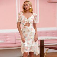 D&M Kleid mit Blumen Muster und Knoten vorn