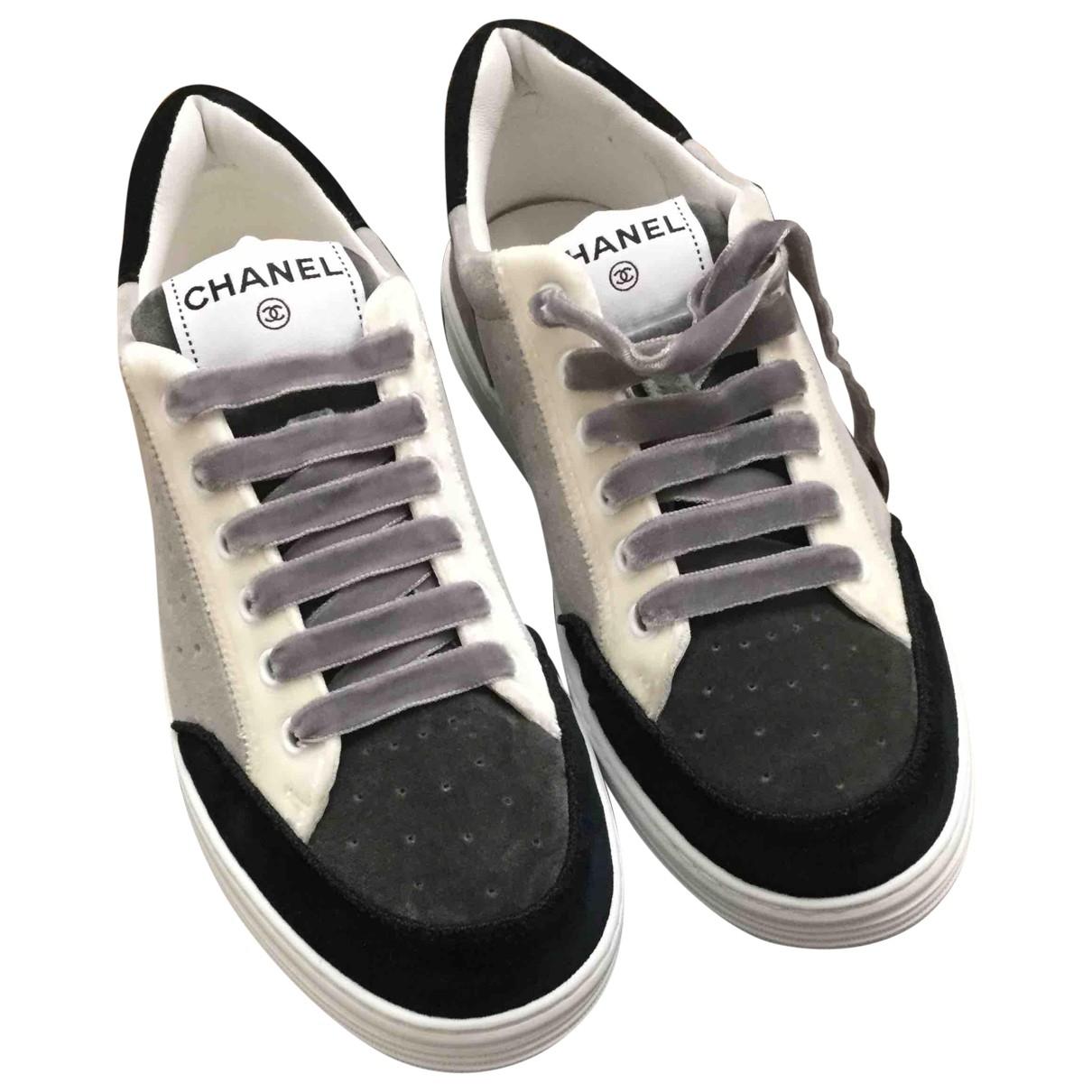 Chanel - Baskets   pour femme en cuir
