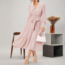 Chiffon Kleid mit Knopfen vorn, Guertel und Rueschen