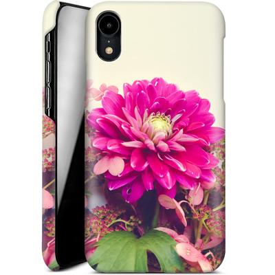 Apple iPhone XR Smartphone Huelle - Pink Dahlia 2 von Joy StClaire
