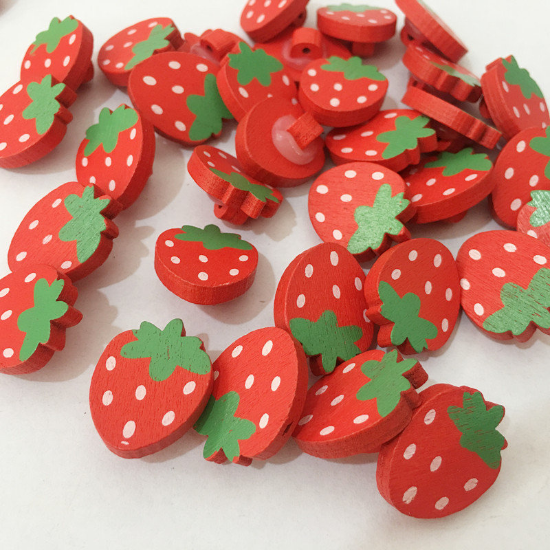 100Pcs Cartoon Buttons Strawberry Wooden Buttons Clothing Accessories DIY