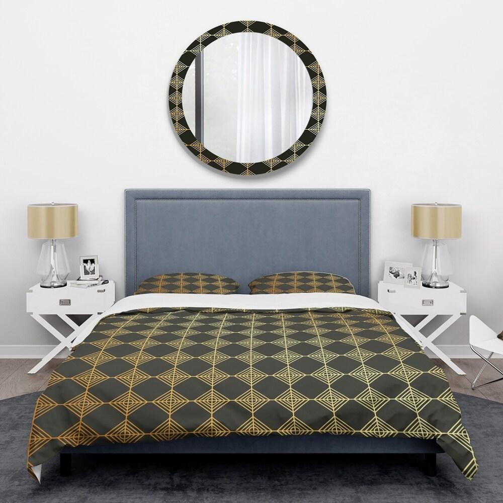 Designart 'Golden Luxury Metallic Geometrics I' Mid-Century Duvet Cover Set (Twin Cover + 1 sham (comforter not included))