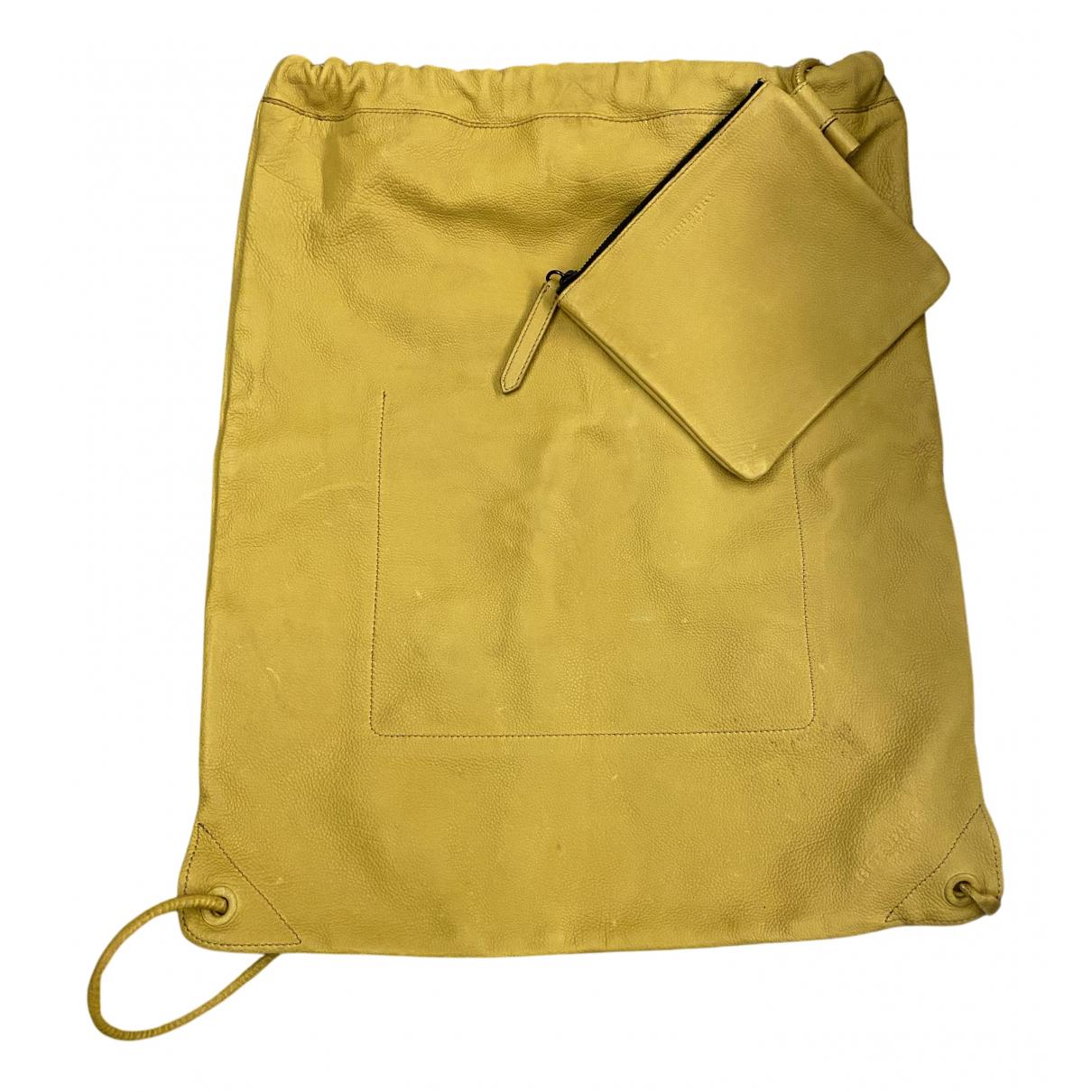 Burberry - Sac a dos   pour femme en cuir - jaune