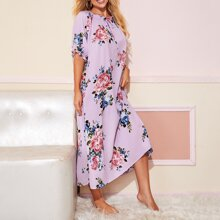 Nachtkleid mit Band vorn, Rueschenbesatz und Blumen Muster