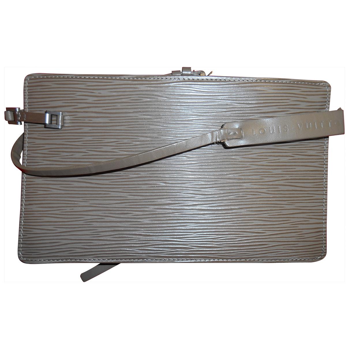 Louis Vuitton \N Khaki Leather Clutch bag for Women \N