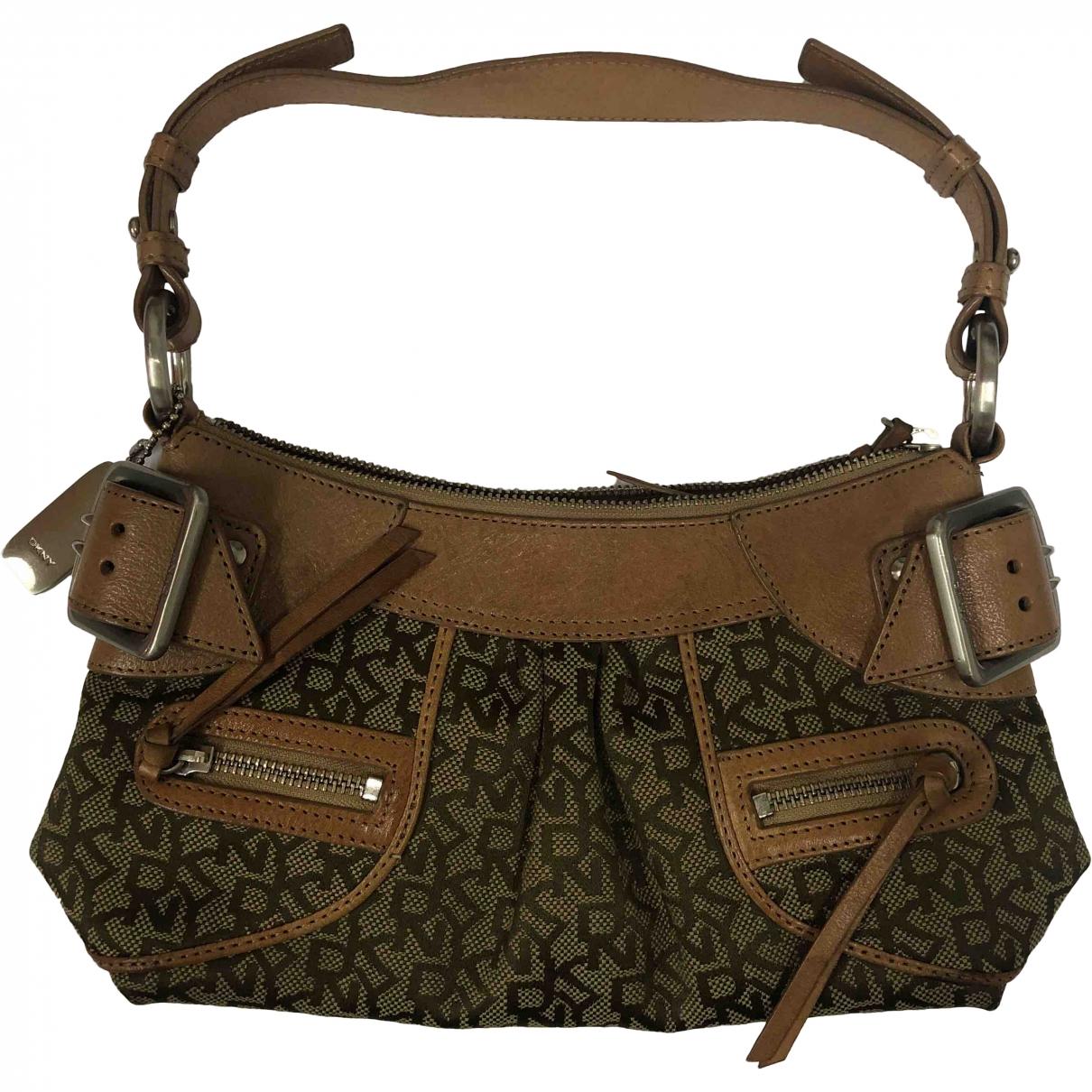 Dkny \N Handtasche in  Gruen Leder