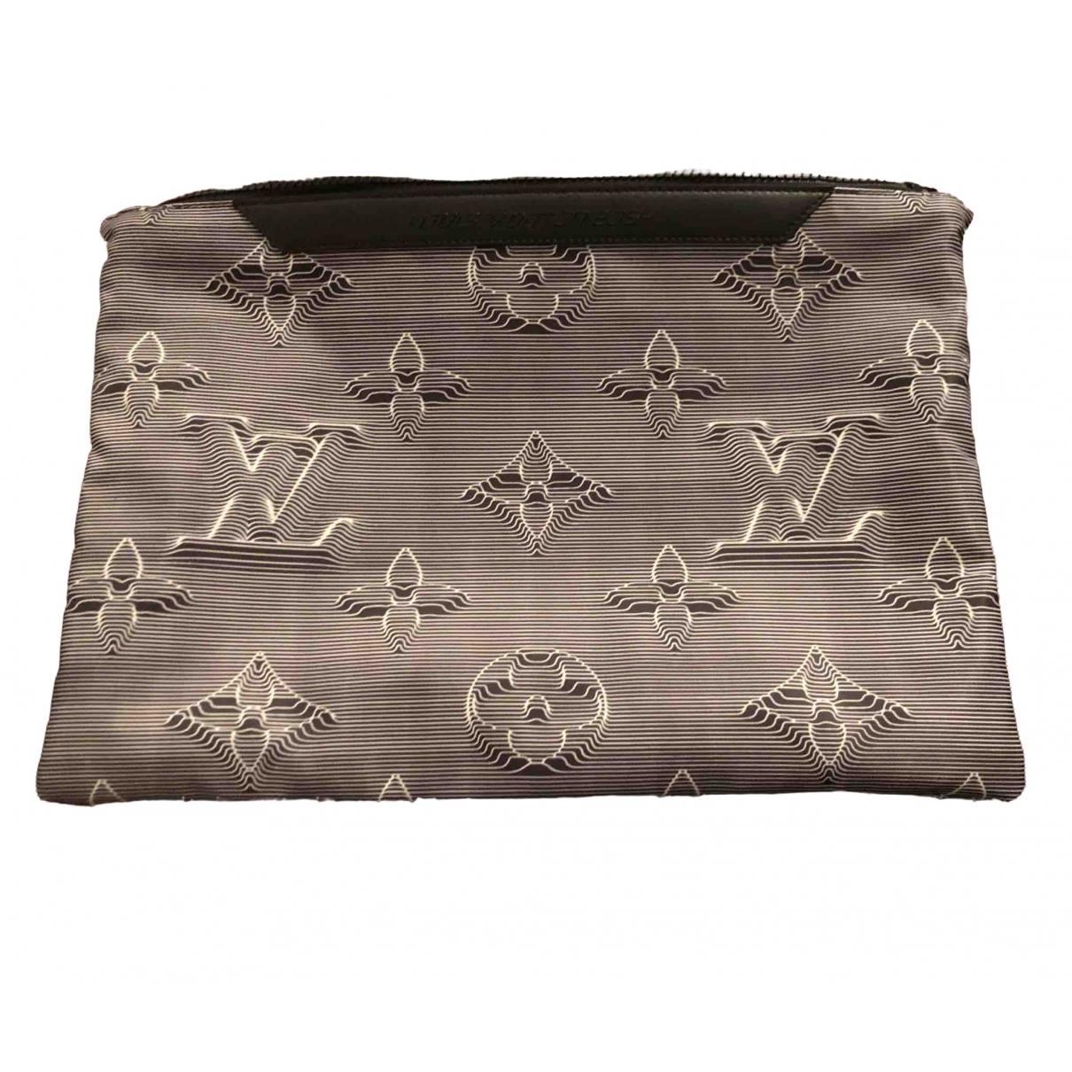 Louis Vuitton \N Grey Cloth bag for Men \N