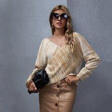 Pullover mit sehr tief angesetzter Schulterpartie und Wickel Design