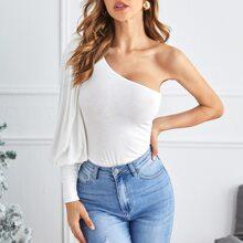 T-Shirt mit einer Schulter und Bishofaermeln