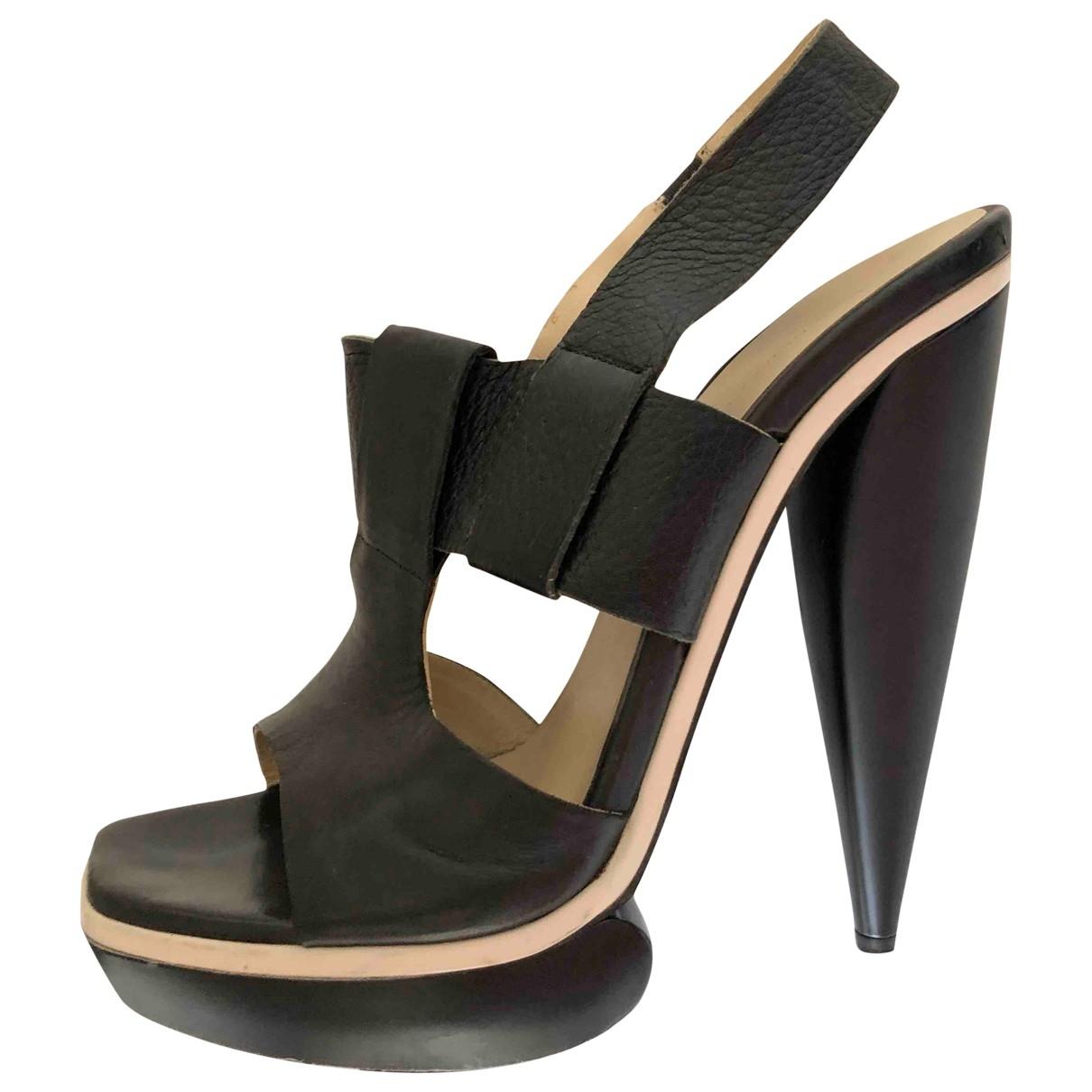 Balenciaga \N Black Leather Sandals for Women 38.5 EU