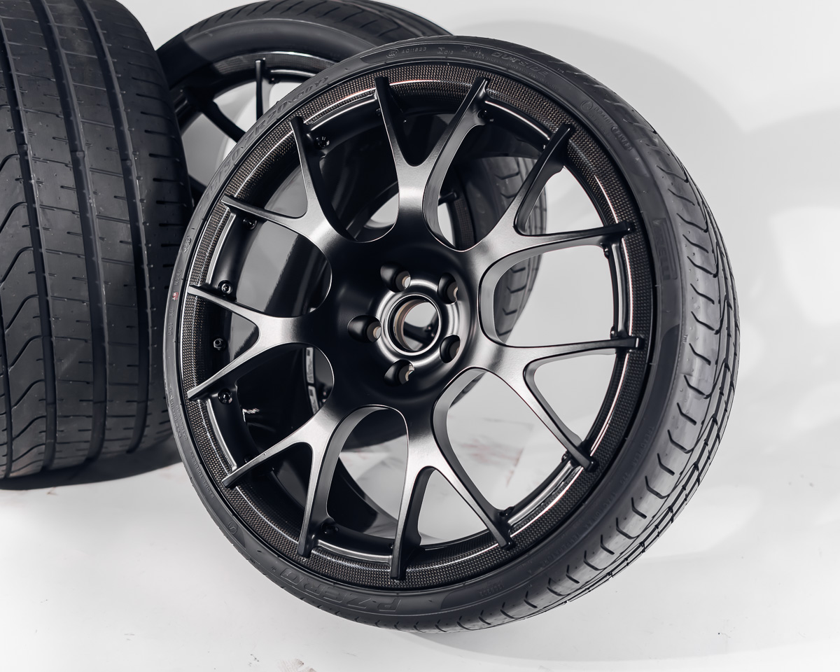 Mclaren 720s Carbon Wheel Set Dymag Dymag-720s-set with Pirelli Tires CLEARANCE