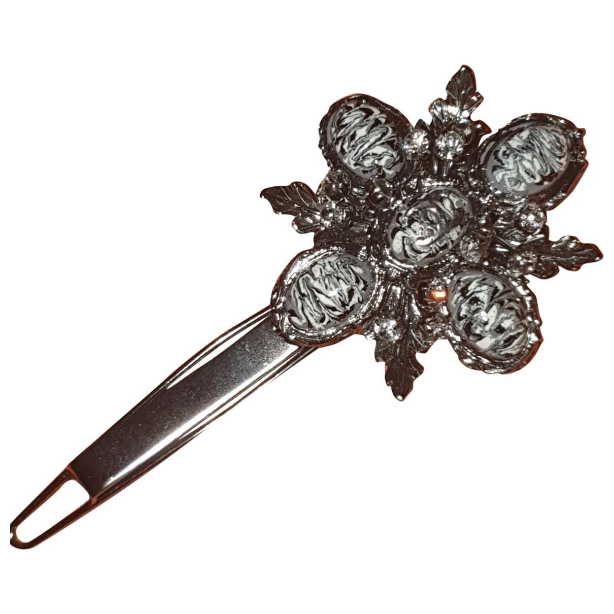 Chanel Camelia Haarschmuck in  Silber Metall