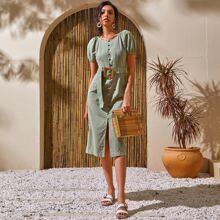 Kleid mit Puffaermeln, Knopfen vorn und Guertel