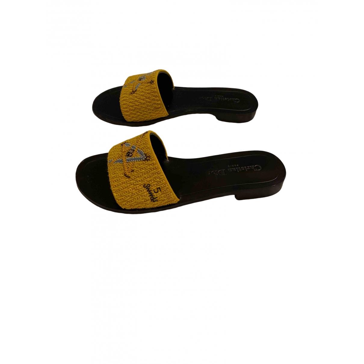 Dior Dway Sandalen in  Gelb Leinen