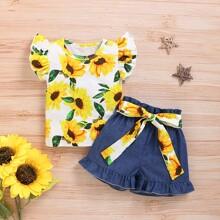 Top mit Sonnenblumen Muster, Raffung an Ärmeln & Denim Shorts mit Guertel