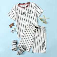 T-Shirt mit Buchstaben & Streifen Muster & Shorts Set mit Kordelzug auf Taille