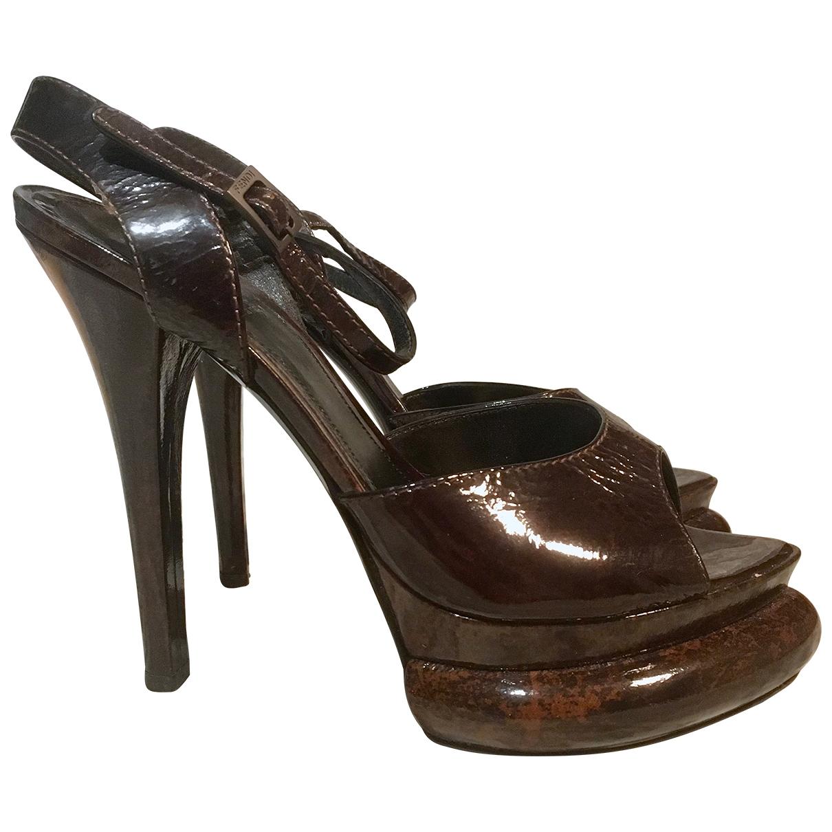 Fendi - Sandales   pour femme en cuir verni - marron