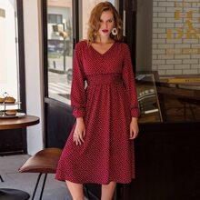 Kleid mit geraffter Taille und Punkten Muster