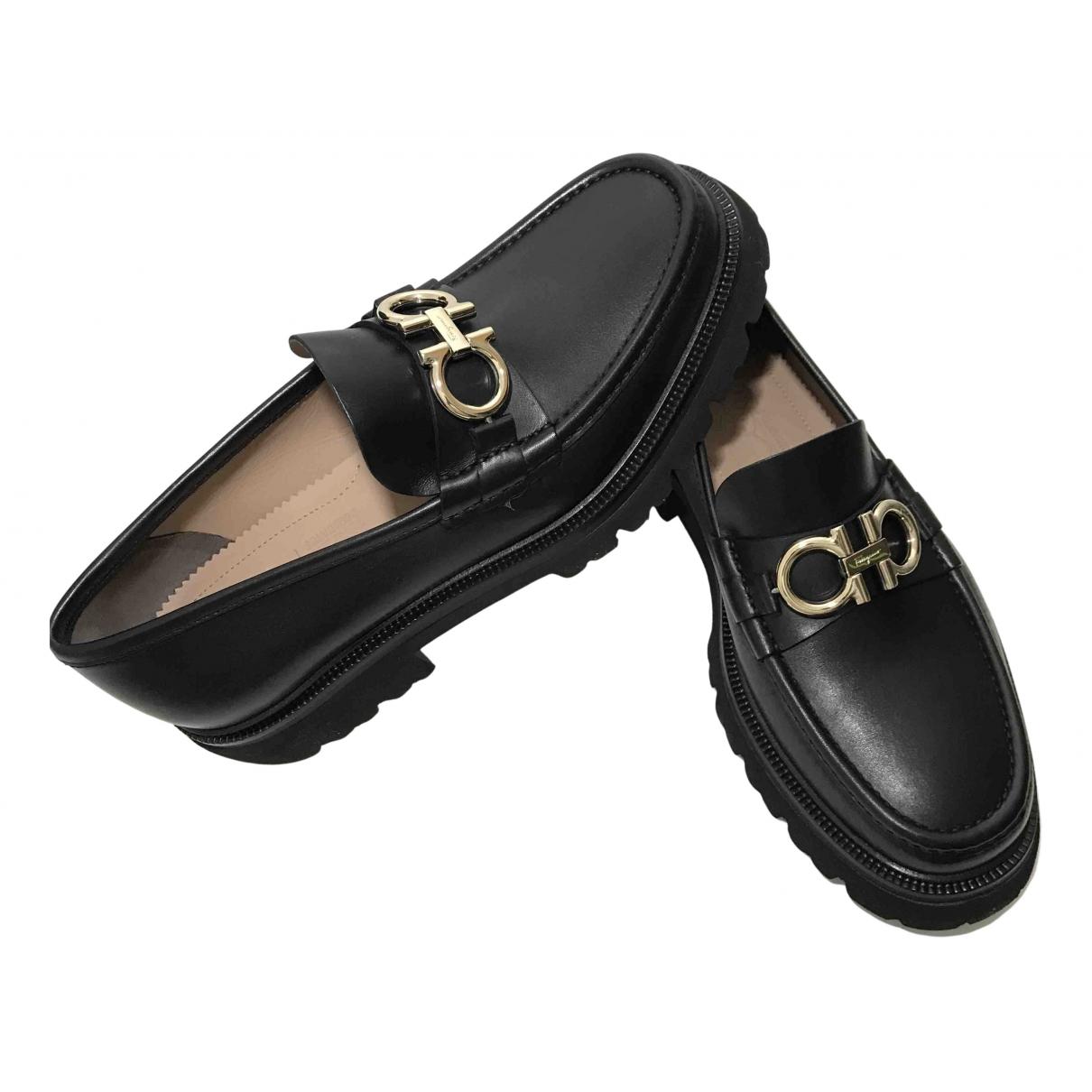 Salvatore Ferragamo Gancini Black Leather Flats for Men 7 US