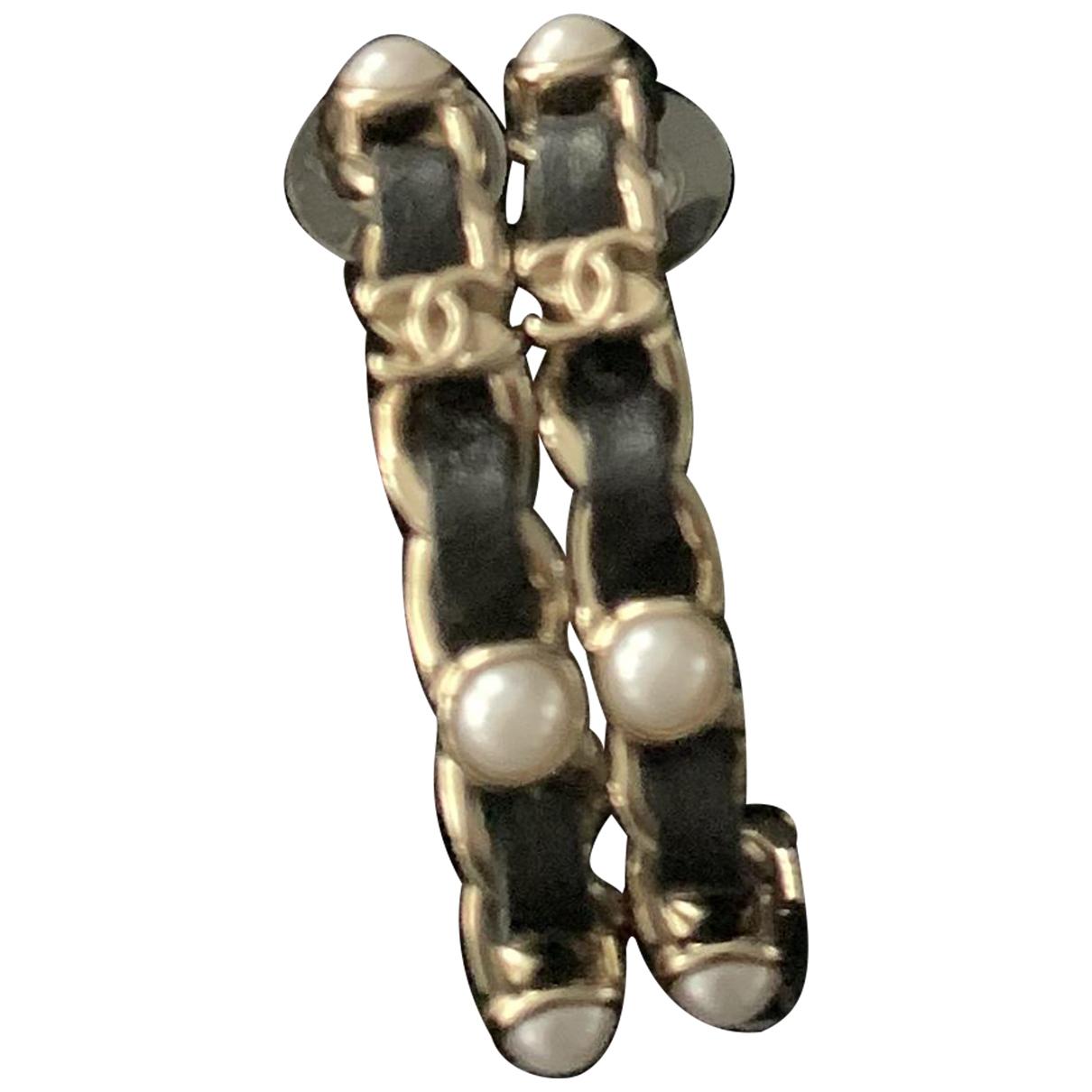 Chanel CC OhrRing in  Gold Leder