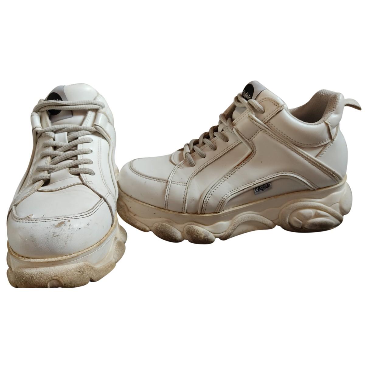 Buffalo \N Sneakers in  Weiss Kunststoff