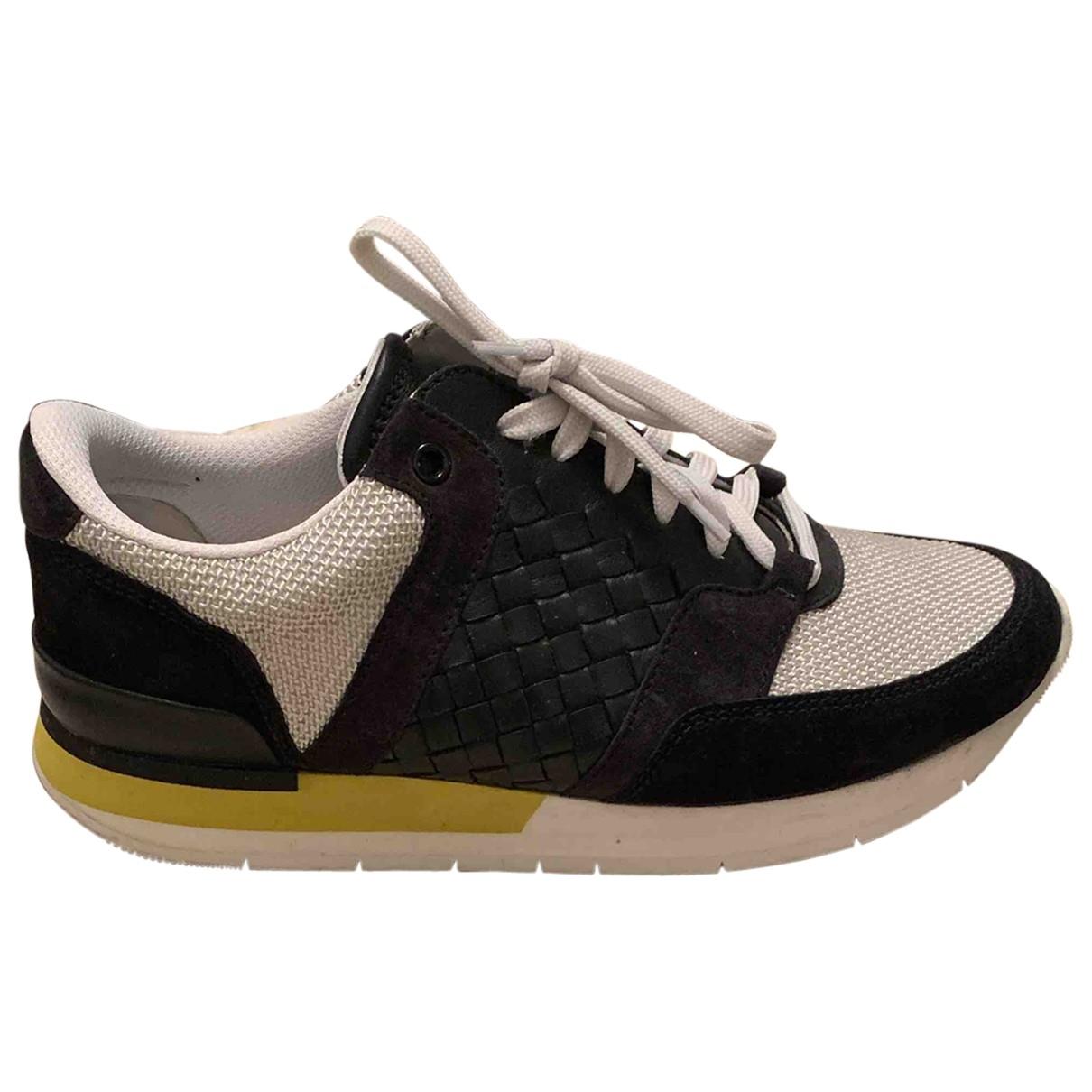 Bottega Veneta \N Black Leather Trainers for Women 39 EU