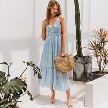 Cami Kleid mit Ose, Spitzeneinsatz, Knopfen vorn und Bogenkante