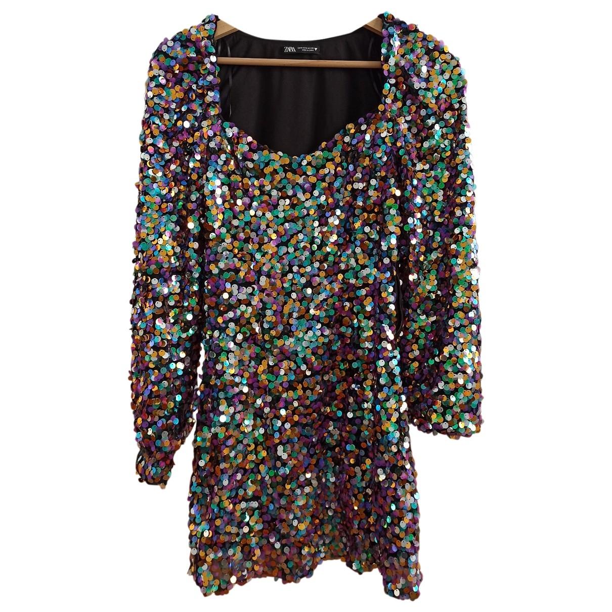Mini vestido de Con lentejuelas Zara