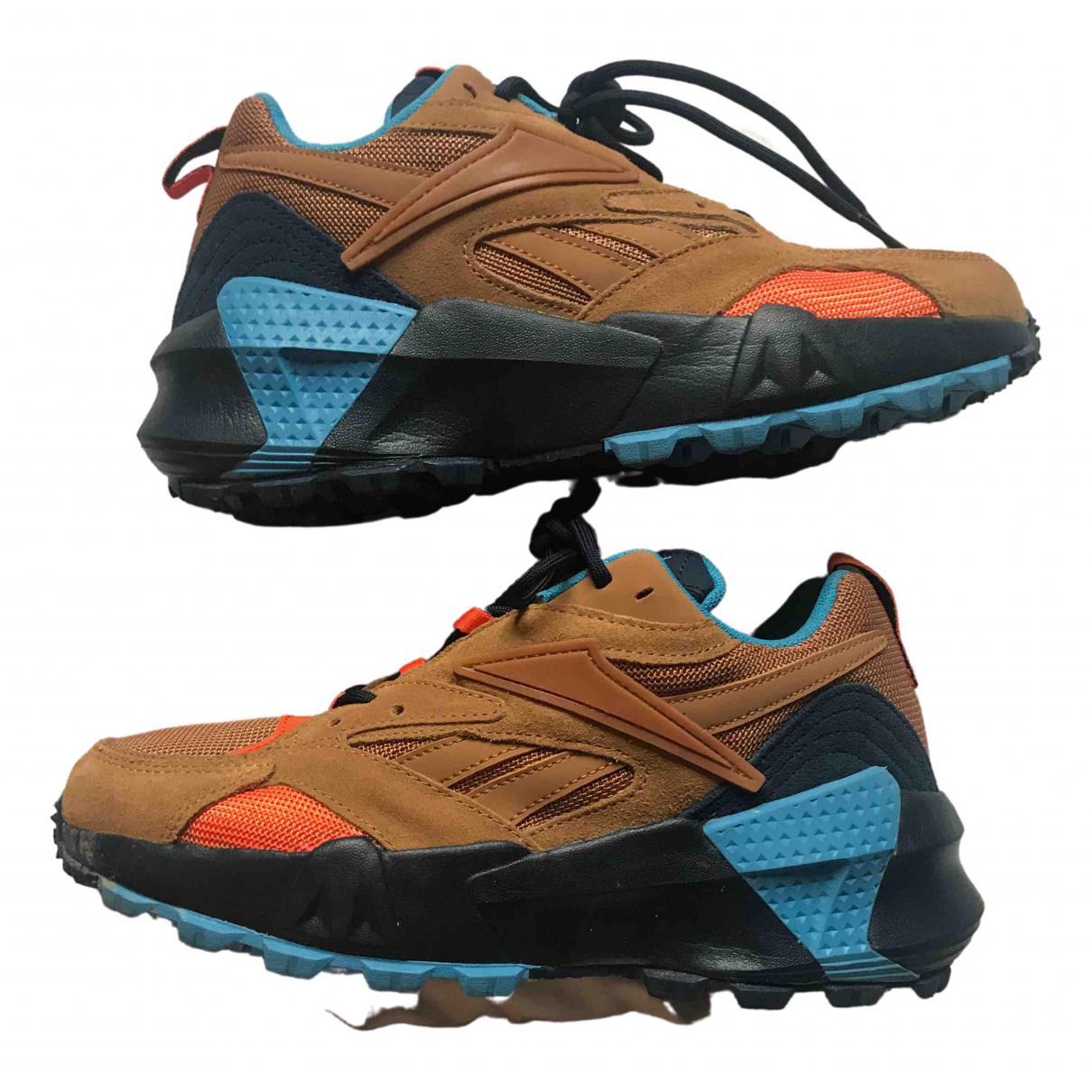 Reebok \N Sneakers in Samt