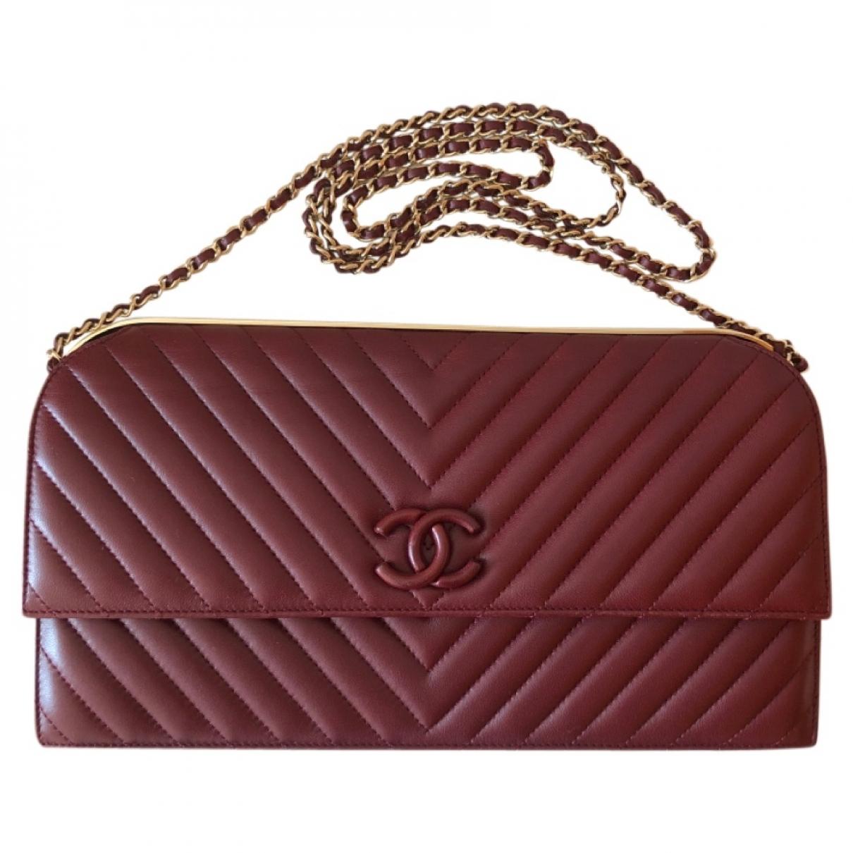 Chanel \N Clutch in  Bordeauxrot Leder
