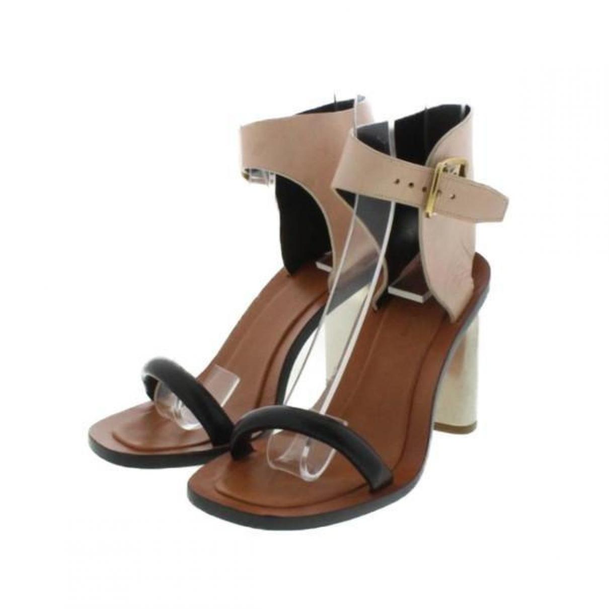 Celine \N Sandalen in  Beige Leder