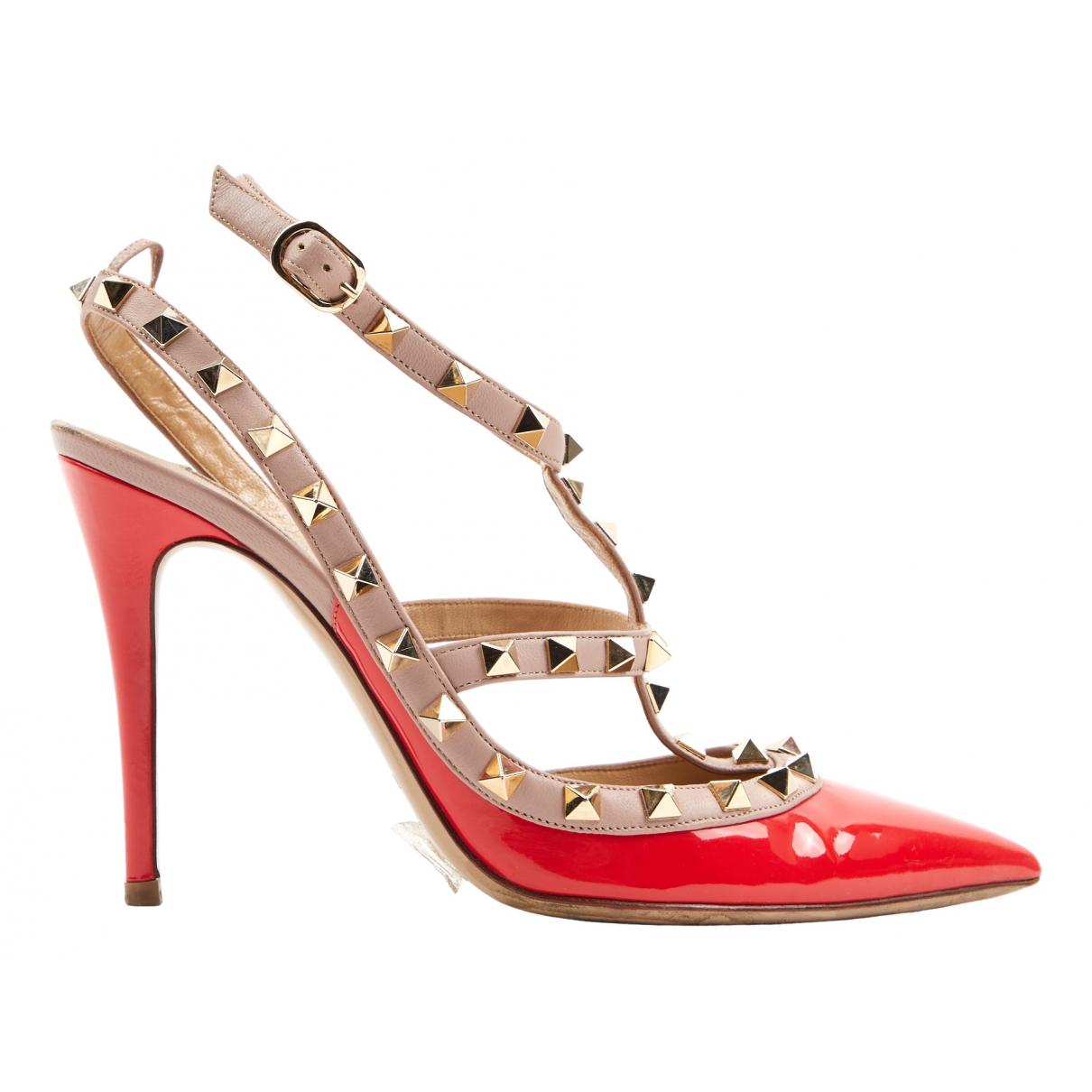 Valentino Garavani - Escarpins Rockstud pour femme en cuir verni - rouge