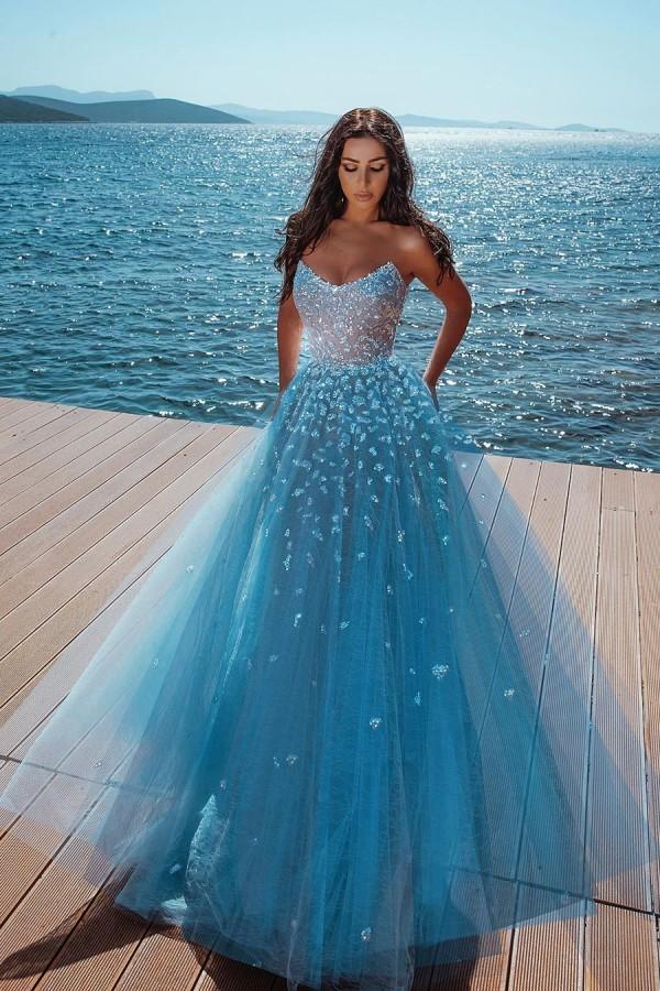 Vestido de fiesta de princesa de tul con cuentas brillantes sin tirantes azul oceano