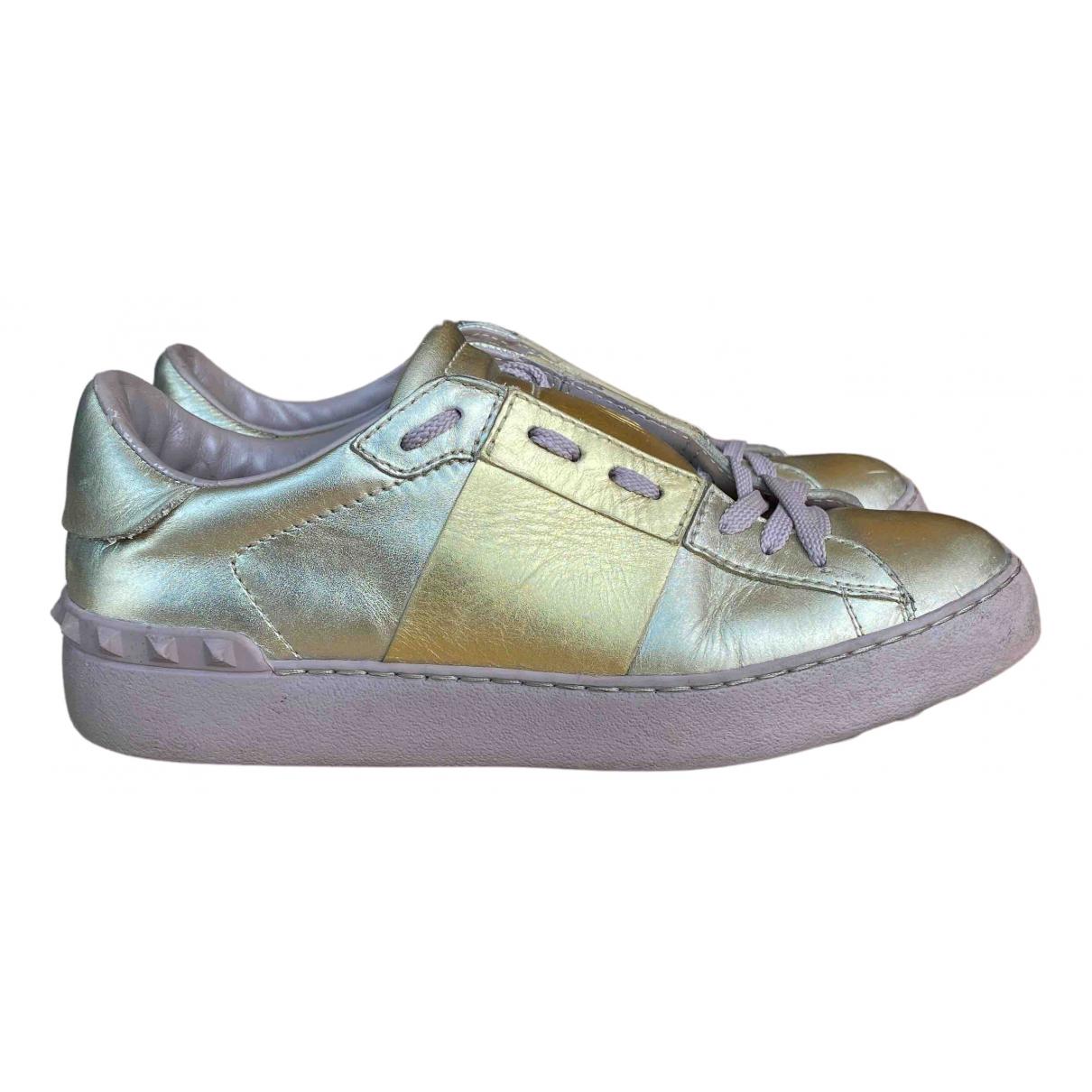 Valentino Garavani Rockstud Gold Leather Trainers for Women 38 IT