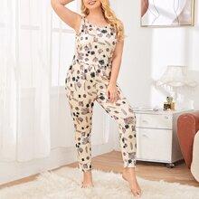 Plus Allover Plants Print Pajama Set
